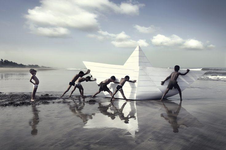 paper-boat_vxtbzj